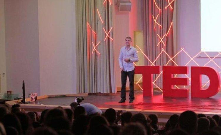 Младежът, който създаде най-доброто българско приложение