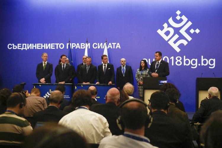 """Домусчиев получи най-голямата до момента инвестиция по плана """"Юнкер"""""""
