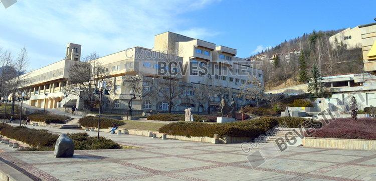 """Със """"златния"""" глас на Данчо Киряков Общинският съвет прие вземането на безлихвен заем от държавата"""