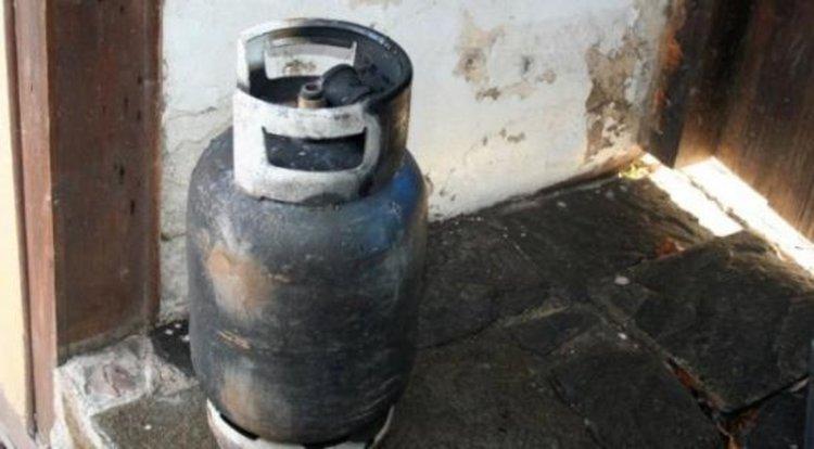 Поредният взрив на газова бутилка, апартамент остана без дограма