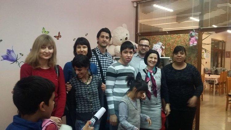 Зарадваха с дарение Центъра за настаняване в Черноконево