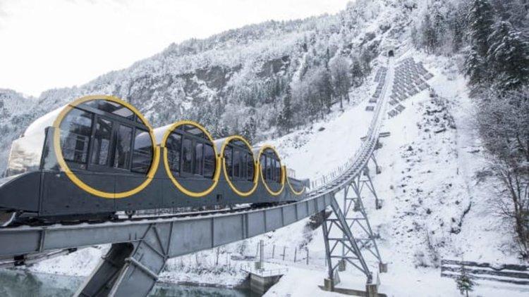 Най-стръмната железница в света (видео)