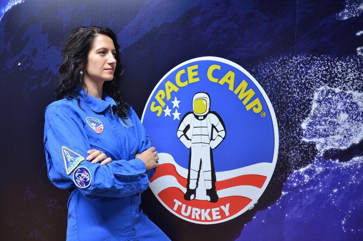 Набират деца и младежи за космически лагер