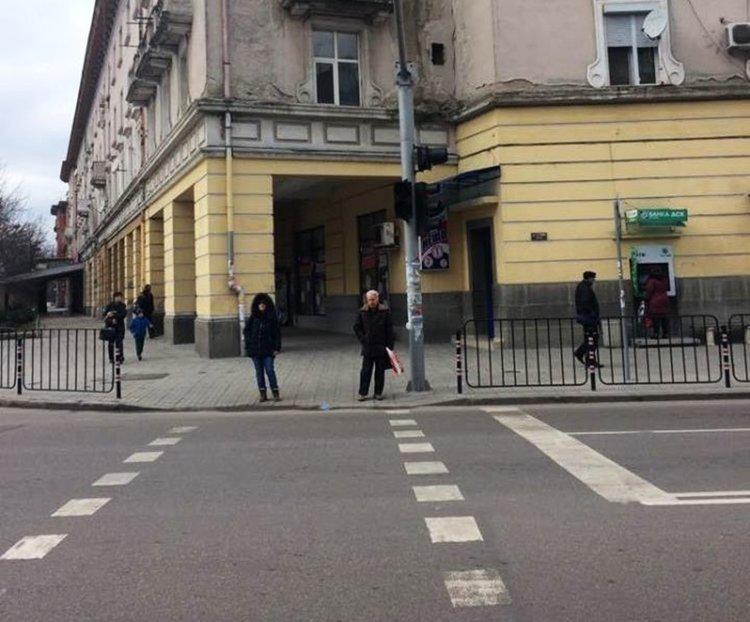 """За проблем с два от светофарите на бул.""""Трети март"""" сигнализират граждани"""