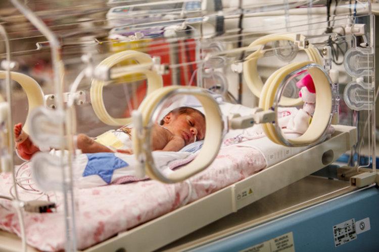 """Медицинският стандарт за """"Акушерство и гинекология"""" скара лекари, юристи и родители"""