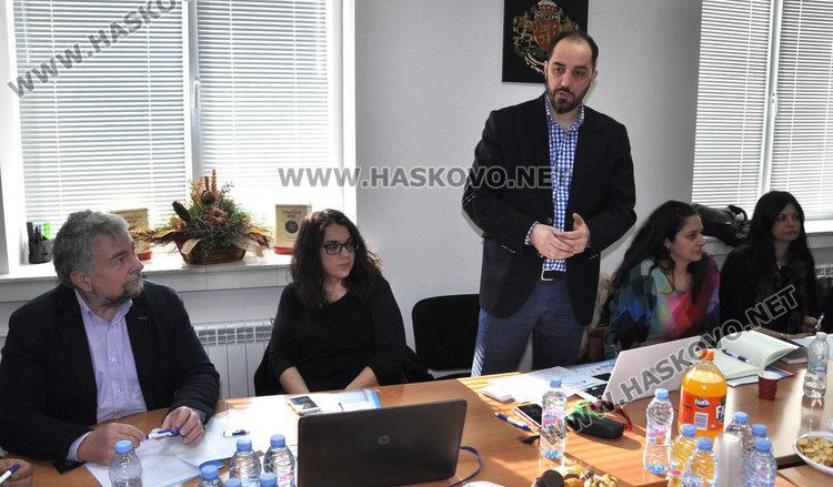 Гърци и българи търсят предимствата на старите сортове грозде в пограничната зона