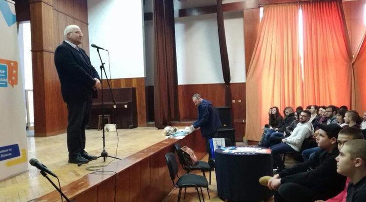 Златаровци посрещнаха евродепутата Светослав Малинов