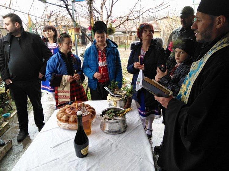 Татаревският кмет иска да запише Татаревско хоро