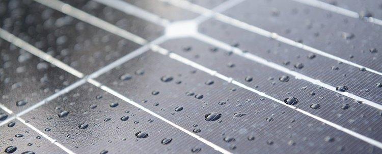 Хибридна соларна клетка улавя електричество от дъждовни капки