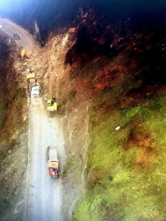Свлачището, затворило пътя за Мадан, е най-голямото на главен път в България