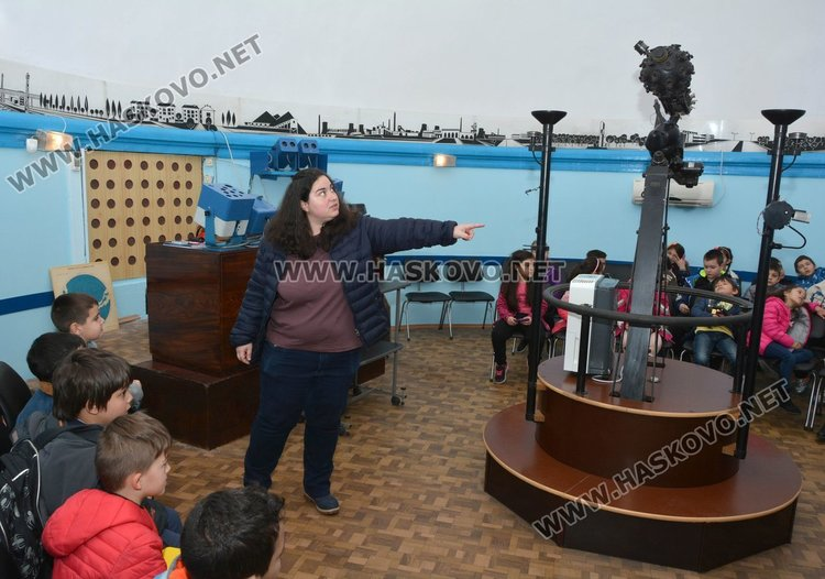 Наплив от посетители в димитровградския планетариум в неделя