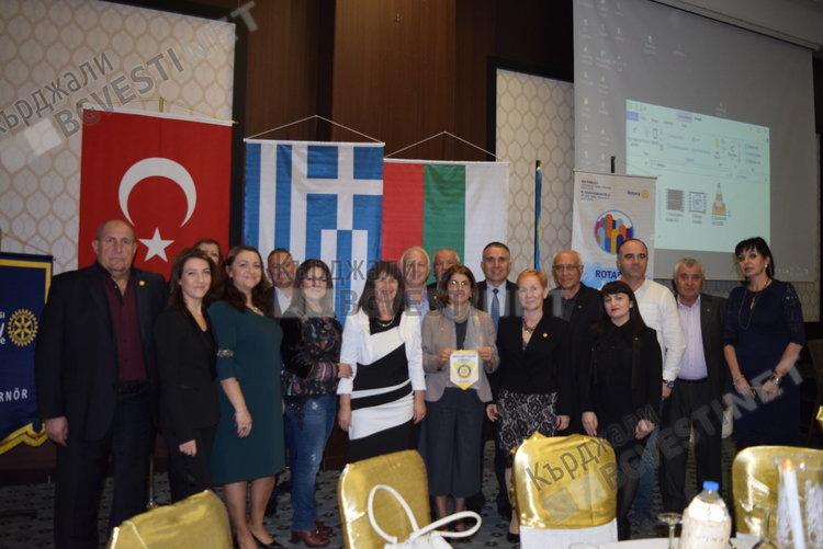 """327 ротарианци казаха """"да"""" на мира на Балканите в Одрин"""