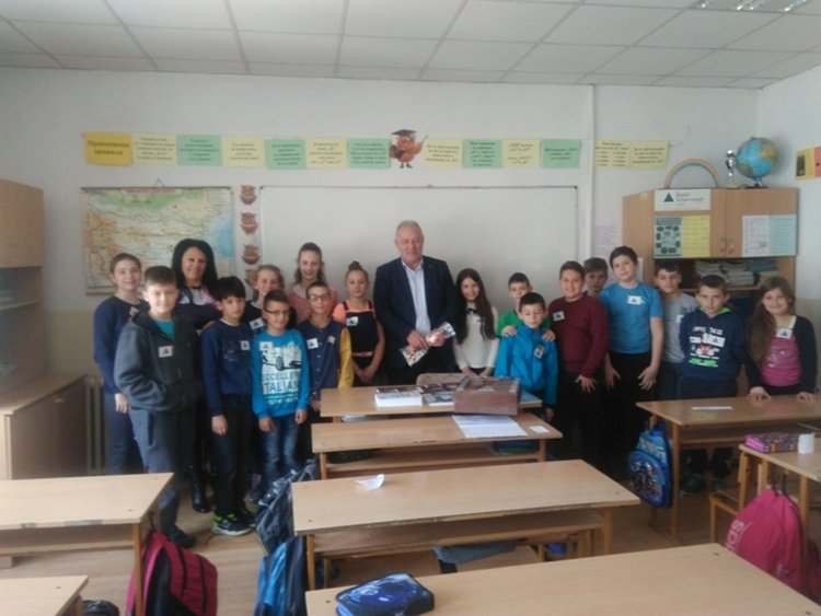 Ученици представиха пред кмета Мелемов новата визия на Смолян
