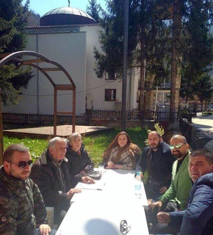 Мешев и съпругата му са сред инициаторите за подписката срещу възстановяване на мюсюлманския молитвен храм