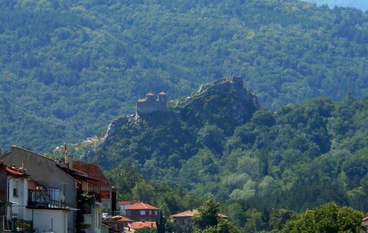 """""""От любов към живота"""": Поход до Асеновата крепост на 21 април"""