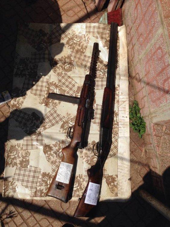 Обвинения за незаконни 14 пистолета, 2 автомата, пушка и 1000 патрона