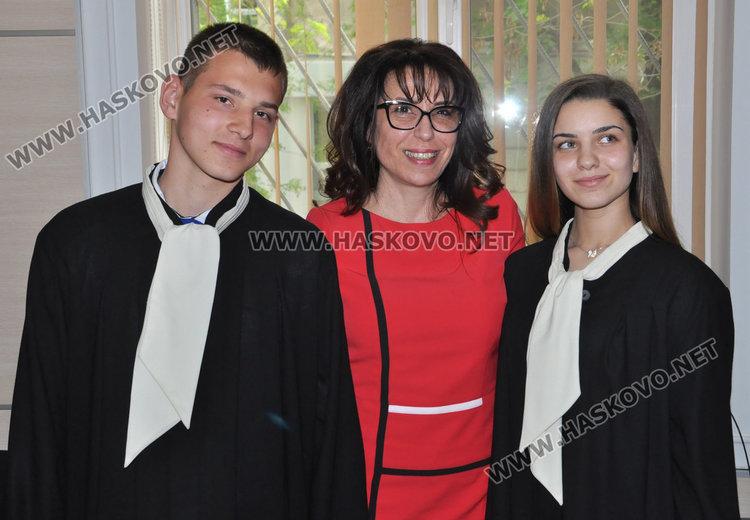 Иван Иванов, съдия Миглена Тянкова и Виктория Иванова