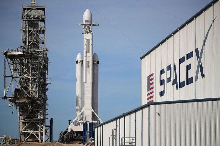 SpaceX отложи изстрелването на нов телескоп за издирване на екзопланети