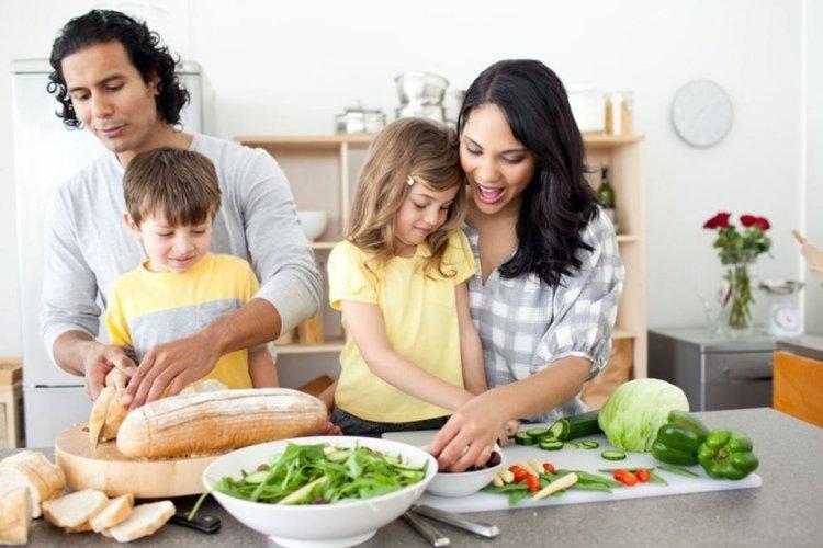 Лошото хранене на бъдещите родители може да повлияе здравето на детето