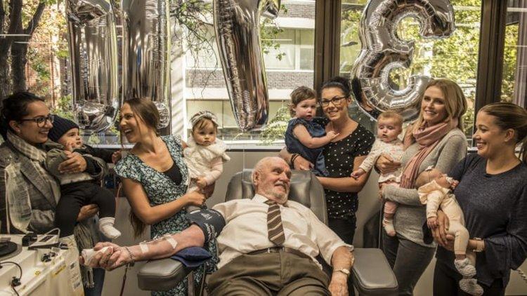 Кръвта на австралиец спаси живота на 2,4 млн. бебета