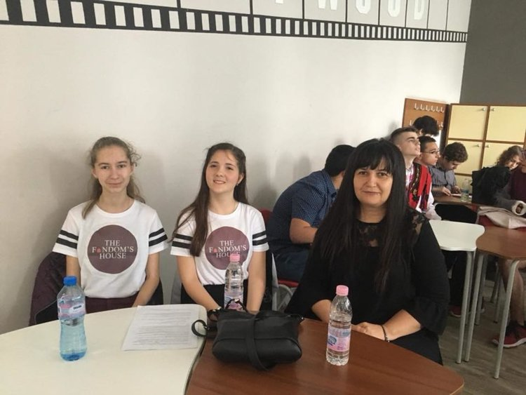 Теодора Караславова и Деница Рашкова получиха отлични оценки на олимпиадата по ИТ