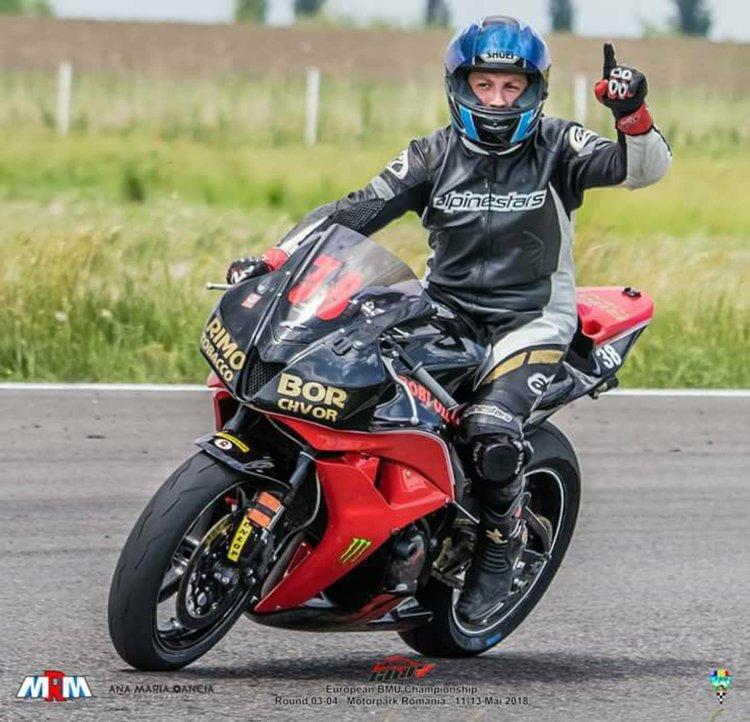 Местен монтьор постигна международен успех по мотоциклетизъм