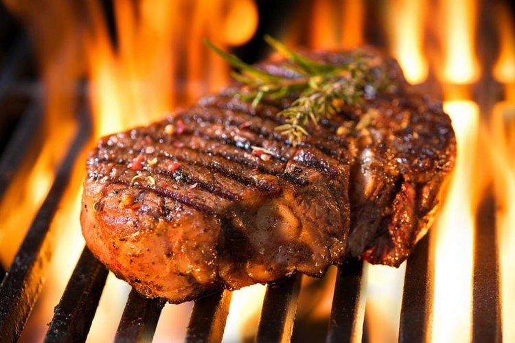 Каква е връзката между месото на скара и рака на кожата?