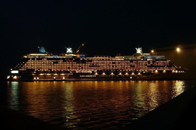 Предложенията за работа на круизни кораби продължават да са актуални