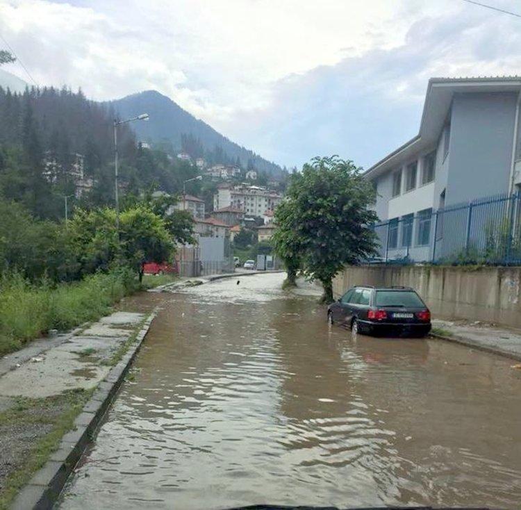 Улицата в района на Спортния комплекс в Смолян