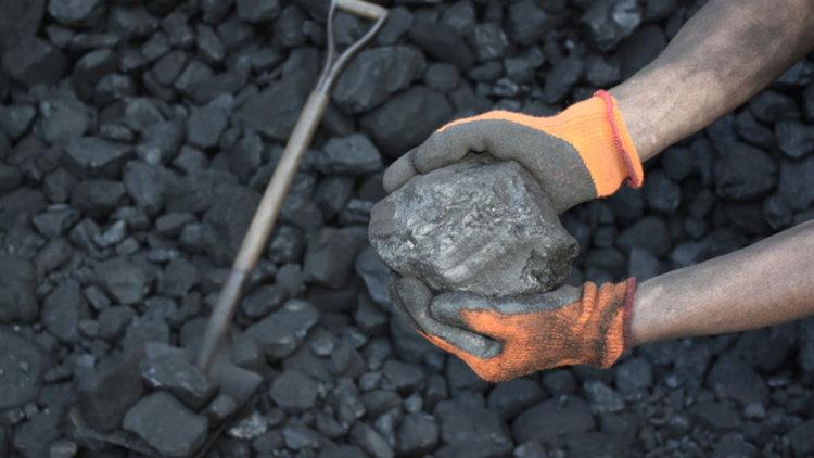Отново незаконна търговия с въглища в Перник