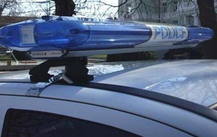 34-годишен с мотор без табела бяга от полицията, пада