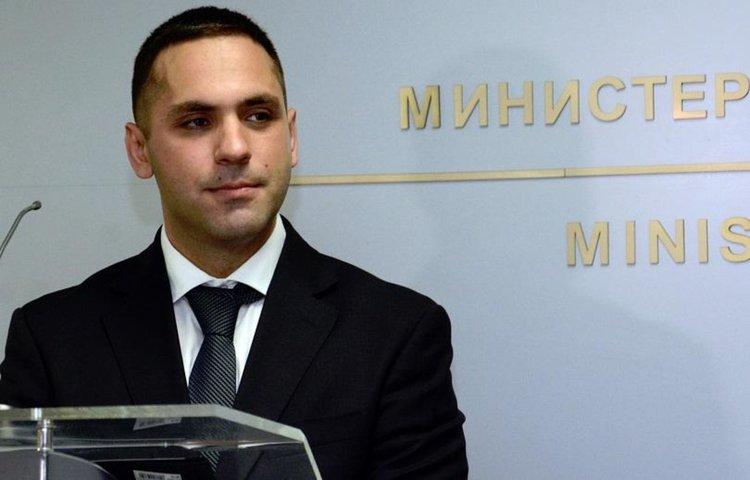 В закона за горивата не трябва да има лобистки текстове, смята министърът на икономиката