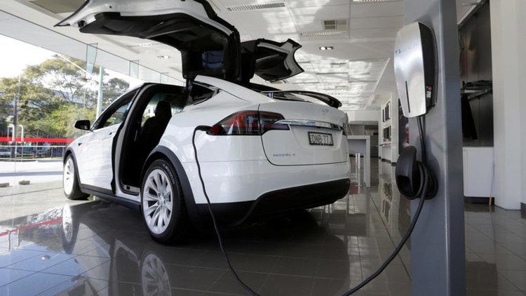 Екотакса за автобуси и камиони, без продуктова за електробмобилите до 2021 г.