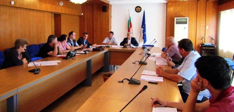 Фирмите-превозвачи в Смолянско водят битка за пътници, процесът ще се задълбочи