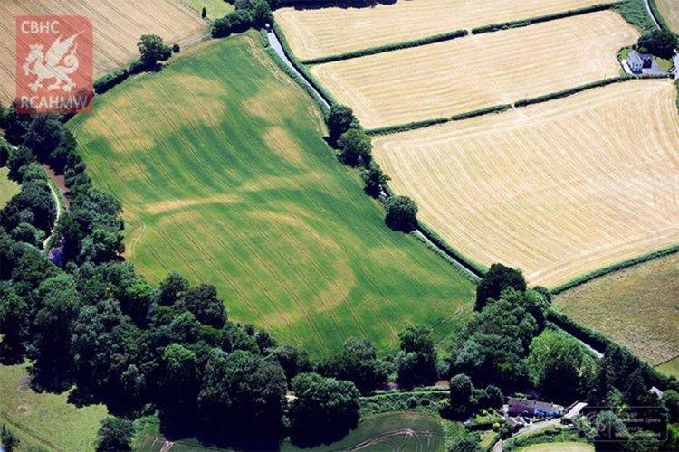 Жегата във Великобритания разкри отпечатъка на древни цивилизации