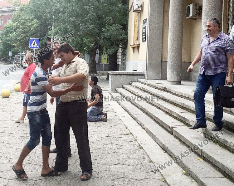 Торлаците ликуват: Пуснаха Васил