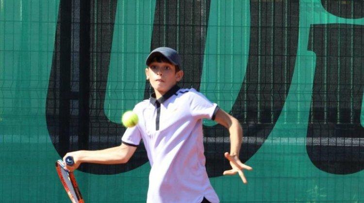 Адриано Дженев на 1/4-финал на тенис турнира в Свиленград