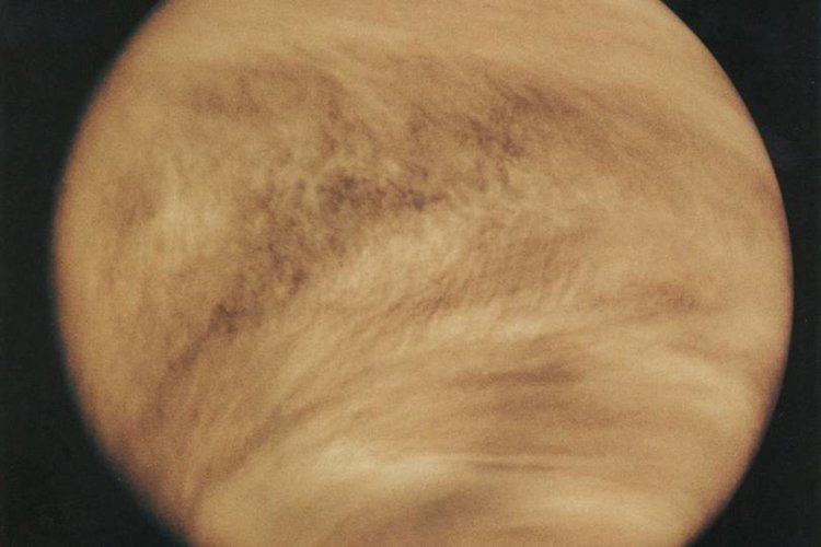 Убийствената атмосфера на Венера в детайли