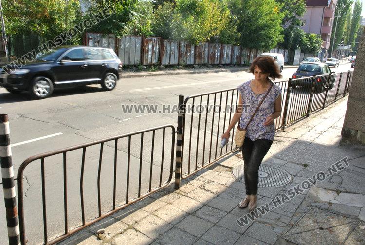 """Една пешеходна пътека по -малко по бул. """"Съединение"""""""