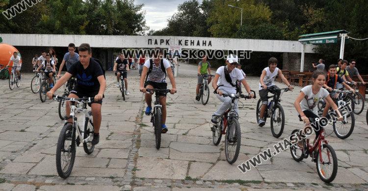 Велопоход, музика и игри на Кенана за седмицата на мобилността