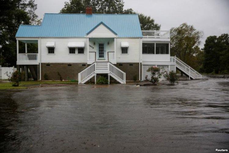 Ураганът Флорънс погълна бреговете на Северна и Южна Каролина (видео)