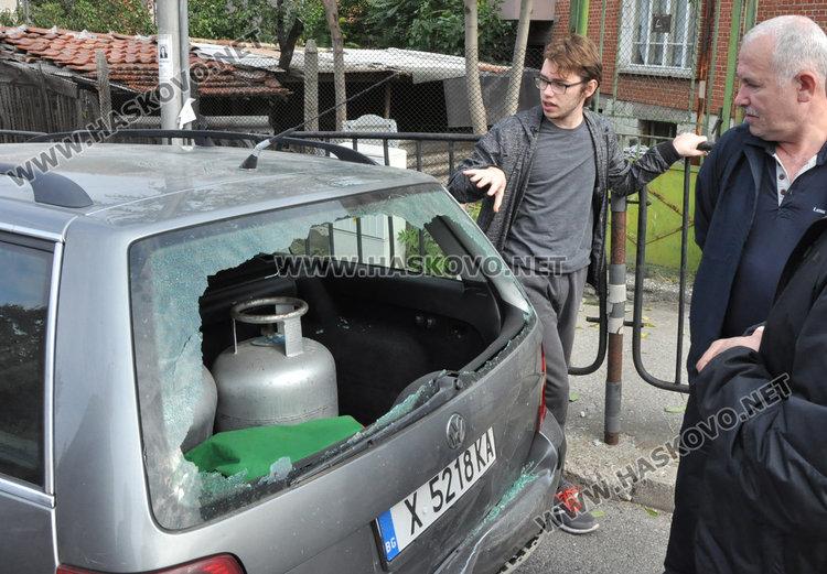 Верижна катастрофа на Кърджалийска: 3 коли се нанизаха една в друга