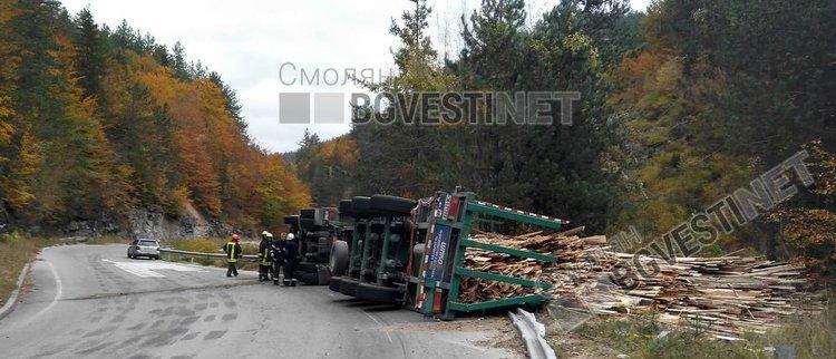 Катастрофата с ТИР-а край Соколовци станала заради несъобразена скорост на 70 годишния водач