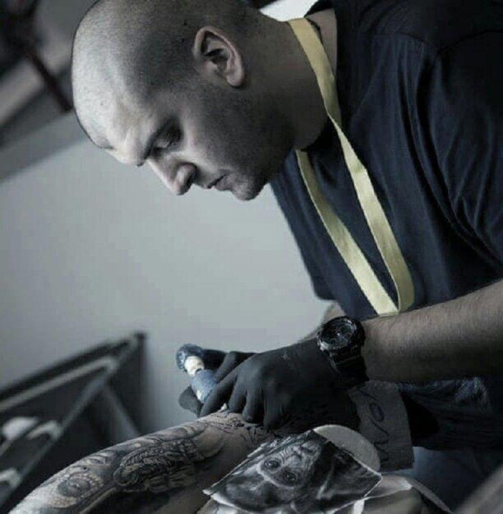 Хасковлия татуира благотворително за Борил, събра 850 лв