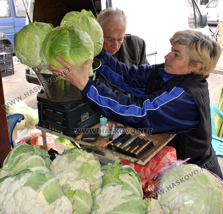 Зелето превзе пазара в Хасково след Архангеловден