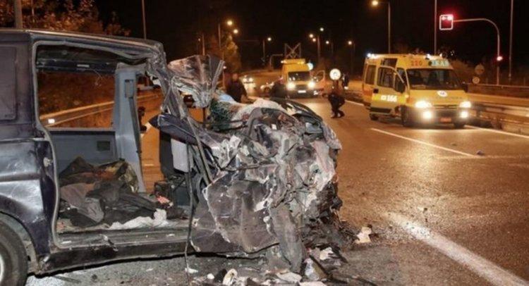 Тежка катастрофа с мигранти след полицейско преследване в Гърция: дете на 4 г. загина, 27 са ранени