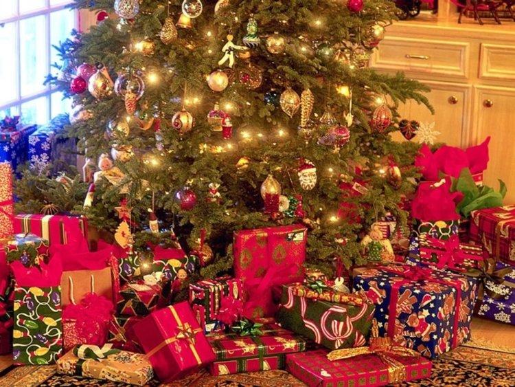 Анкета: Колко средства ще отделите за Коледни подаръци?