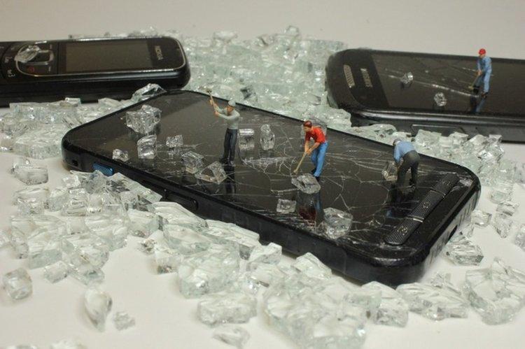 Измежду всички видове ИКТ смартфоните са най-вредни, като една от причините е краткият им жизнен цикъл (CC0 Public Domain)