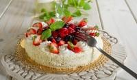 Бърза ягодова торта