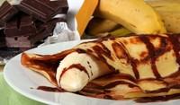 Десерт с палачинки и банани